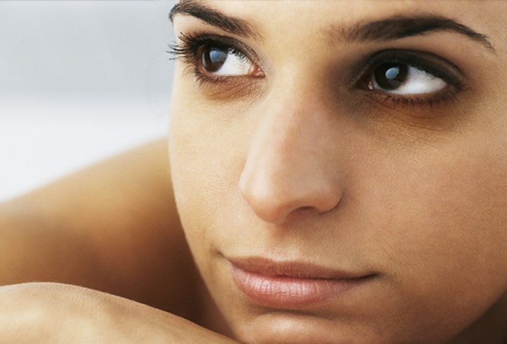 remove dark circles with honey